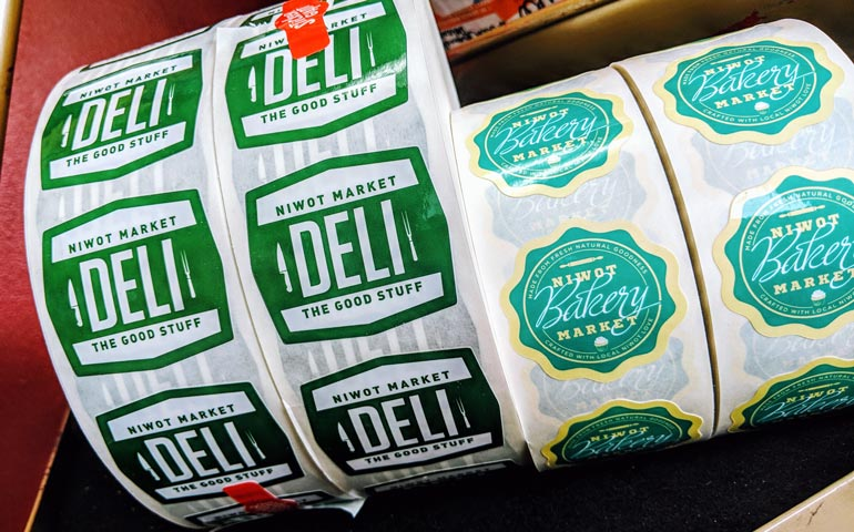 StickerGiant-Niwot-Market-and-Deli-Custom-Printed-Labels-on-a-Roll