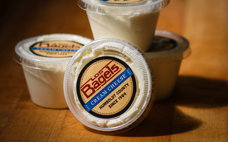 Los-Bagels-8oz-Cream-Cheese-with-Custom-Labels-printed-by-StickerGiant