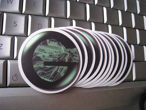 Custom-Printed-Circle-Stickers-with-Logo-for-GeekMommy