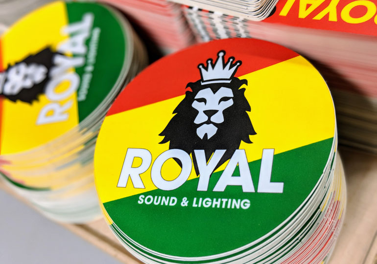 StickerGiant-Royal-Sound-and-Lighting-2018-matte-die-cut-circle-lion-color-blog