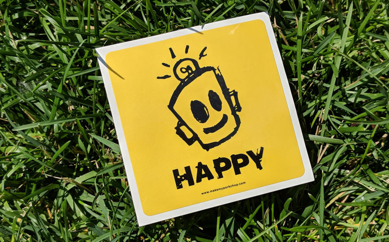 StickerGiant-Happy-Doc-smiling-face-kiss-cut-stickers-web